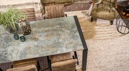 Industriele Tafel Met Wielen.Eettafels Dekton Silestone Marmer Graniet Hardsteen En Glas