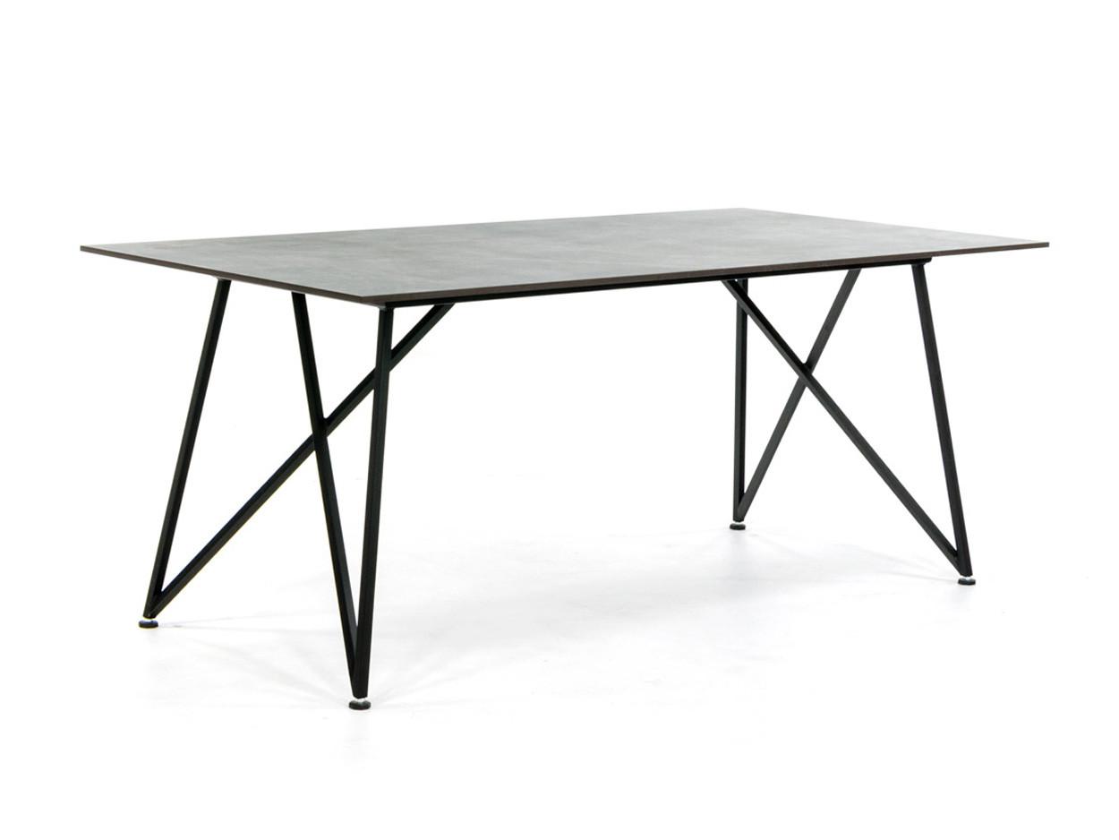 Design tafel met Dekton blad en stalen onderstel