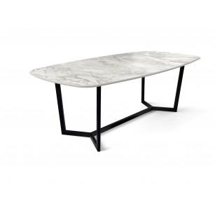 Dekton tafel met marmerlook Portum blad en modern zwart onderstel