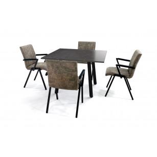 Vierkante eettafel met Dekton Fossil blad en vier Loja stoelen met armleuning
