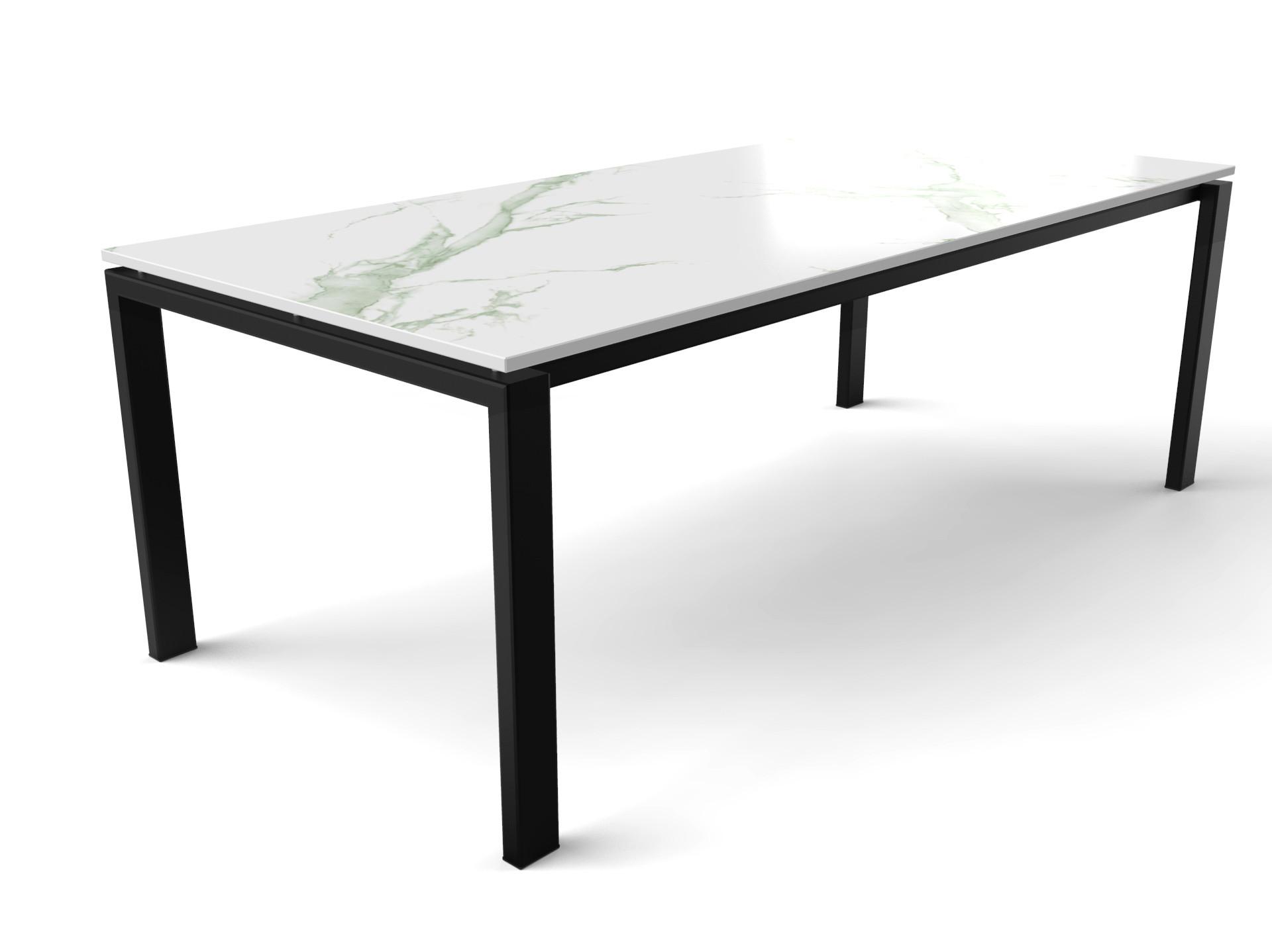 Marmerlook Dekton Aura15 tafel met zwart gecoat stalen tafelonderstel