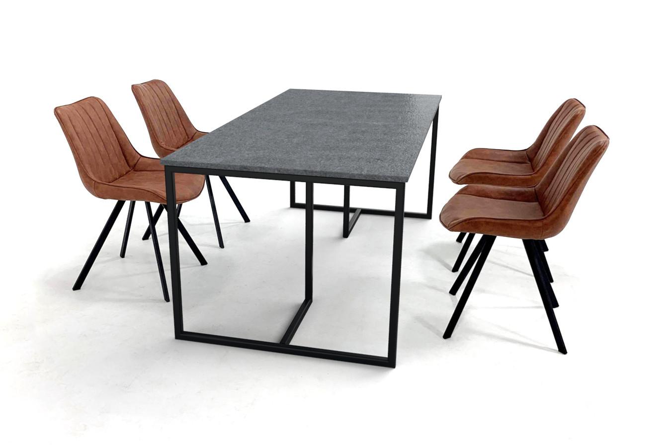 Granieten eettafel met zwart gecoat Deens design onderstel en vier stoelen